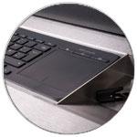 gut verstaut: der scanbot mit Tastatur in der Schublade